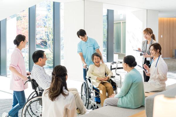 医療系介護施設とは?主な高齢者向け福祉施設の特徴と種類